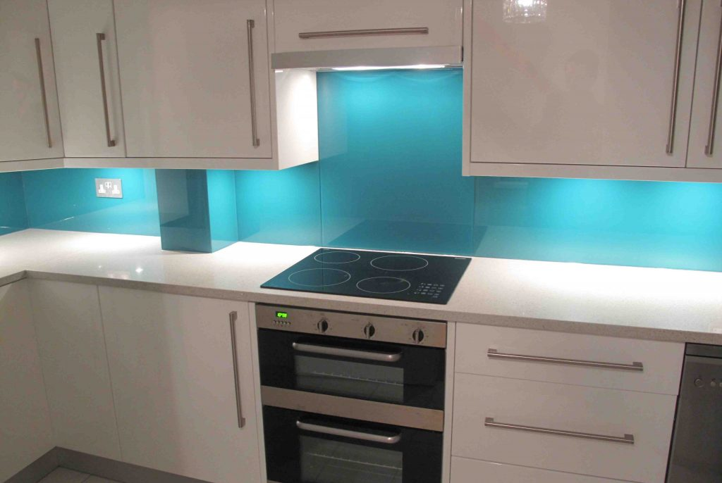 Lagoon coloured glass splashback